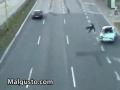 Spektakularny wypadek motocyklem - sato