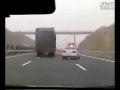 Niezwykły pościg chińskiej policji za ciężarówką!