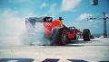 Bolid F1 kręci bączki ponad 200 metrów nad ziemią w Miami